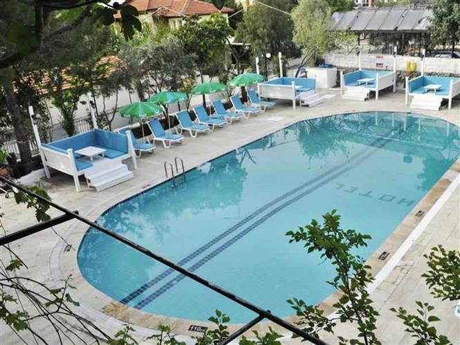 New StNicholas Garden Hotel